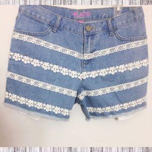 Lace Detail Cut-Off Shorts